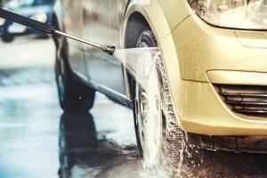 Bei MC WASH stehen Ihnen 6 XL-SB-Lanzen-Bürsten-Waschplätze zur Verfügung. Extra hoch & breit - auch für Sprinter und LKW geeignet.
